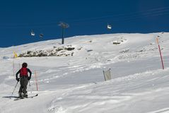 Οδοιπορία σκι στα όρη στοκ εικόνες με δικαίωμα ελεύθερης χρήσης