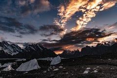 Οδοιπορία του Πακιστάν Karakoram K2 στοκ εικόνα