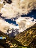 Οδοιπορικό στα βουνά Himalayan του Νεπάλ Στοκ Εικόνες