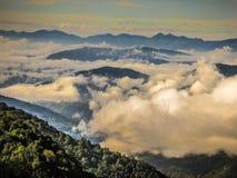 Οδοιπορικό στα βουνά Himalayan του Νεπάλ Στοκ Εικόνα