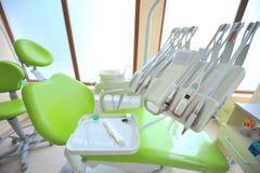 Οδοντικά εργαλεία προσοχής (γραφείο οδοντιάτρων) Στοκ Φωτογραφίες