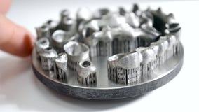 Οδοντικές κορώνες που τυπώνονται συμπυκνώνοντας μηχανή λέιζερ εκτυπωτών μετάλλων στην τρισδιάστατη