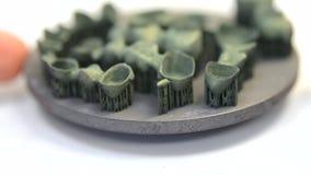 Οδοντικές stomatological κορώνες και γέφυρες μετάλλων που τυπώνονται στη συμπύκνωση λέιζερ απόθεμα βίντεο