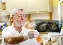 Οδοντική επίσκεψη Στοκ εικόνα με δικαίωμα ελεύθερης χρήσης