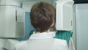 Οδοντικοί ανιχνευτής και ασθενής ακτίνας X απόθεμα βίντεο