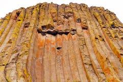 Οδοντωτές στήλες σε έναν ηφαιστειακό μονόλιθο Στοκ Εικόνες