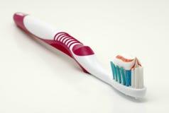 οδοντόβουρτσα στοκ εικόνες με δικαίωμα ελεύθερης χρήσης