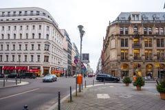 19 01 2018 - Οδός και αποκατεστημένα σπίτια στο Βερολίνο, Γερμανία Στοκ Εικόνα