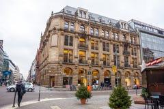 19 01 2018 - Οδός και αποκατεστημένα σπίτια στο Βερολίνο, Γερμανία Στοκ φωτογραφίες με δικαίωμα ελεύθερης χρήσης