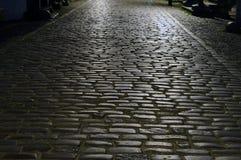 οδός νύχτας κυβόλινθων Στοκ φωτογραφία με δικαίωμα ελεύθερης χρήσης
