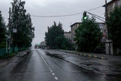 Οδός πόλεων μετά από τη βροχή Στοκ Φωτογραφίες
