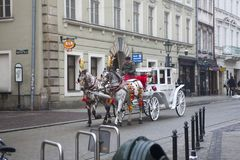 Οδός στην παλαιά μεσαιωνική πόλη της Κρακοβίας, Πολωνία Στοκ Φωτογραφίες