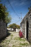 Οδός στην παλαιά πόλη berat στην Αλβανία Στοκ εικόνα με δικαίωμα ελεύθερης χρήσης