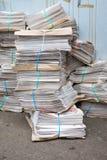 οδός στοιβών newpapers αστική στοκ φωτογραφία