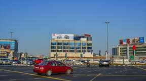 Οδός στο Ντουμπάι, Ε.Α.Ε. στοκ φωτογραφία με δικαίωμα ελεύθερης χρήσης