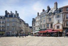 Οδός του Poitiers μια θερινή ημέρα στοκ φωτογραφία