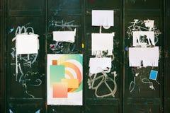 οδός χαρτονιών διαφημίσε&omega στοκ φωτογραφίες