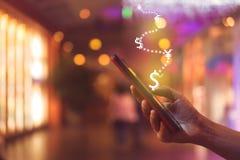 Οθόνη εικονιδίων γραφικών παραστάσεων αποθεμάτων αγοράς του υποβάθρου smartphone Οικονομική ζωή ονείρου ελευθερίας επιχειρησιακής στοκ φωτογραφία