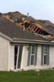 'Οικία' σπιτιών ζημίας θύελλας ανεμοστροβίλου που καταστρέφεται από τον αέρα Στοκ Εικόνες
