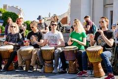 Οικίζει το τύμπανο percusion παιχνιδιού Στοκ Φωτογραφία