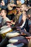 Οικίζει το τύμπανο percusion παιχνιδιού Στοκ Φωτογραφίες
