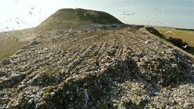 Οικιακά απόβλητα απορρίψεων πόλεων εναέριο strandja φωτογραφίας βουνών της Βουλγαρίας Απόρριψη πόλεων Στοκ Εικόνες