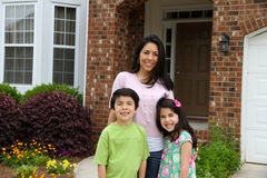 οικογένεια έξω στοκ εικόνες με δικαίωμα ελεύθερης χρήσης