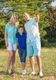 Οικογένεια με το παιδί στοκ φωτογραφίες με δικαίωμα ελεύθερης χρήσης