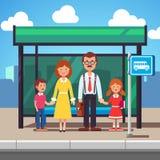Οικογένεια που περιμένει τη διέλευση σε μια στάση λεωφορείου πόλεων απεικόνιση αποθεμάτων