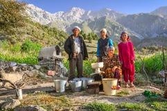 Οικογένεια σε Arslanbob στο Κιργιστάν Στοκ φωτογραφία με δικαίωμα ελεύθερης χρήσης