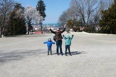 Οικογένεια σε Malakhov Kurgan στοκ φωτογραφία με δικαίωμα ελεύθερης χρήσης