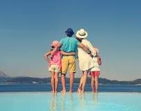 Οικογένεια στο θέρετρο θάλασσας στοκ φωτογραφίες