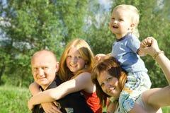οικογένεια τέσσερα ευ&ta Στοκ φωτογραφία με δικαίωμα ελεύθερης χρήσης