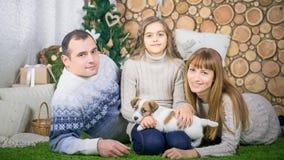 Οικογένεια της μητέρας, του πατέρα και της κόρης Στοκ εικόνες με δικαίωμα ελεύθερης χρήσης