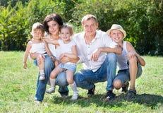 οικογένεια τρία παιδιών Στοκ εικόνες με δικαίωμα ελεύθερης χρήσης