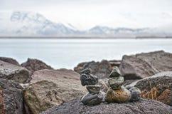 Οικογένεια τύμβων στον κόλπο του Ρέικιαβικ Στοκ Εικόνα