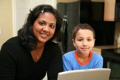 οικογένεια υπολογιστ στοκ εικόνα με δικαίωμα ελεύθερης χρήσης