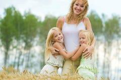 οικογένεια χαρούμενη Στοκ Εικόνες
