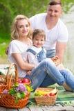 Οικογένεια picnic στοκ εικόνες
