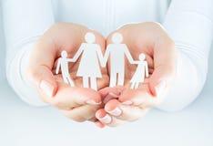 οικογενειακά καρύδια έννοιας σύνθεσης μπουλονιών Στοκ φωτογραφία με δικαίωμα ελεύθερης χρήσης