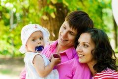 οικογενειακές ευτυχείς διακοπές Στοκ φωτογραφία με δικαίωμα ελεύθερης χρήσης