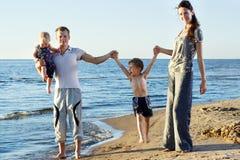οικογενειακές νεολαί& Στοκ φωτογραφία με δικαίωμα ελεύθερης χρήσης