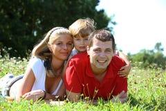 οικογενειακές νεολαί&e Στοκ εικόνες με δικαίωμα ελεύθερης χρήσης