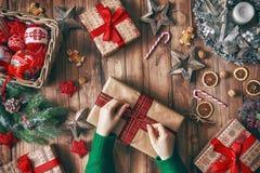 Οικογενειακές παραδόσεις Χριστουγέννων Στοκ εικόνα με δικαίωμα ελεύθερης χρήσης