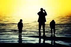 οικογενειακές σκιαγρ& στοκ φωτογραφία με δικαίωμα ελεύθερης χρήσης