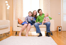 οικογενειακή κατοικί&alpha Στοκ εικόνες με δικαίωμα ελεύθερης χρήσης