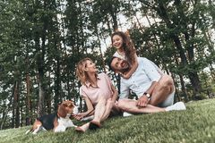 Οικογενειακός συνδέοντας χρόνος Στοκ φωτογραφία με δικαίωμα ελεύθερης χρήσης