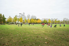 Οικογενειακός χρόνος στο πάρκο που λαμβάνεται στη Σαγκάη, Κίνα Στοκ φωτογραφία με δικαίωμα ελεύθερης χρήσης