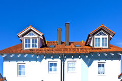 οικογενειακό γενικό σπίτι περιοχής προαστιακό στοκ φωτογραφία με δικαίωμα ελεύθερης χρήσης