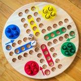 Οικογενειακό παιχνίδι πινάκων του Ludo Στοκ εικόνες με δικαίωμα ελεύθερης χρήσης